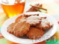 Рецепта Обикновени сладки меденки с канела и мед (без яйца със сода)